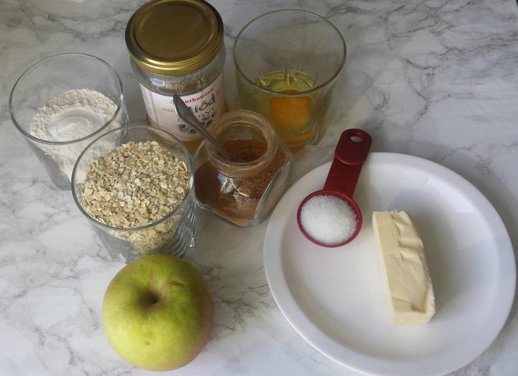 owsiane ciasteczka z jabłkiem i cynamonem