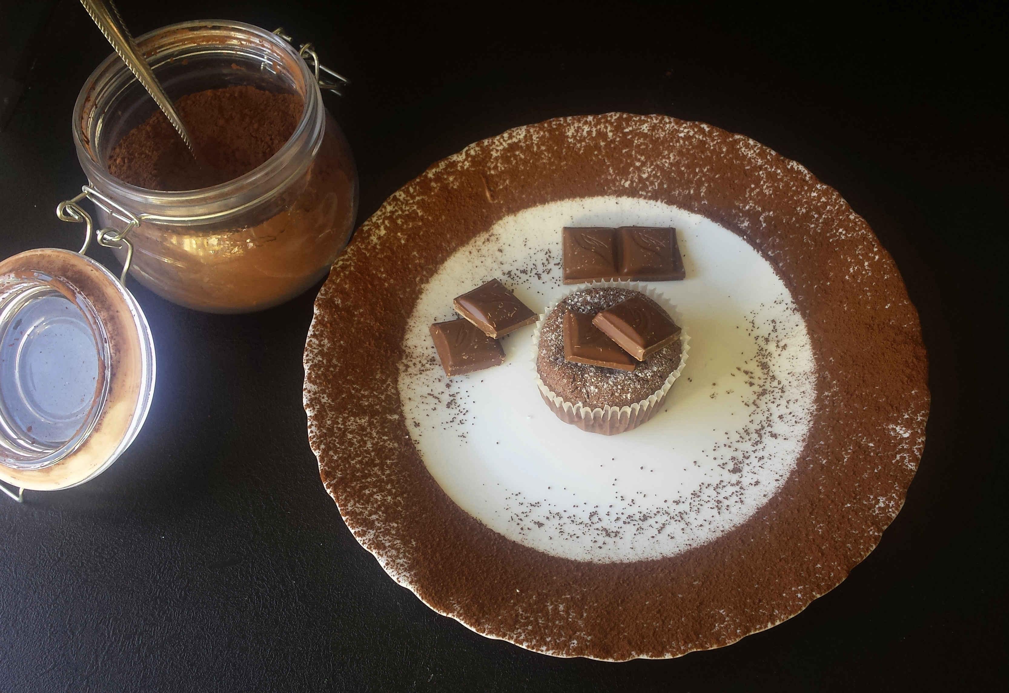 Babeczki czekoladowe z ulubioną czekoladą