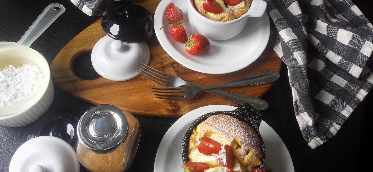Dutch baby z owocami – naleśnik z piekarnika